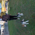 Andrea mit Rakete und Zahra